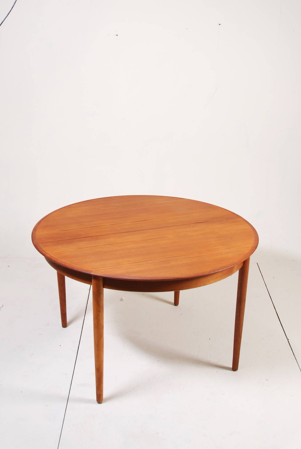 Danish Modern Dining Table Round Danish Modern Teak Dining Table By Dyrlund At 1stdibs