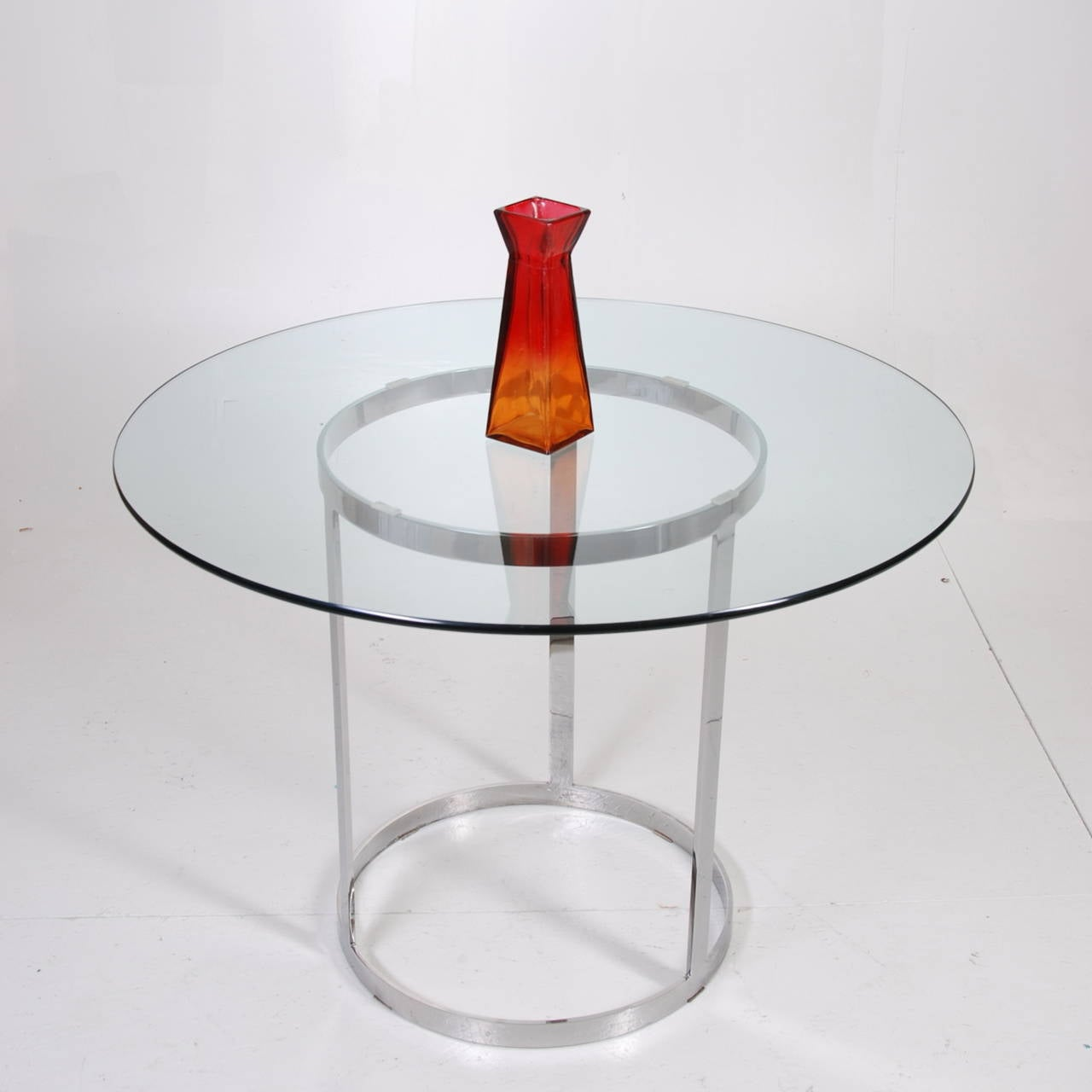 Milo Baughman Round Glass And Chrome Dining Table At 1stdibs