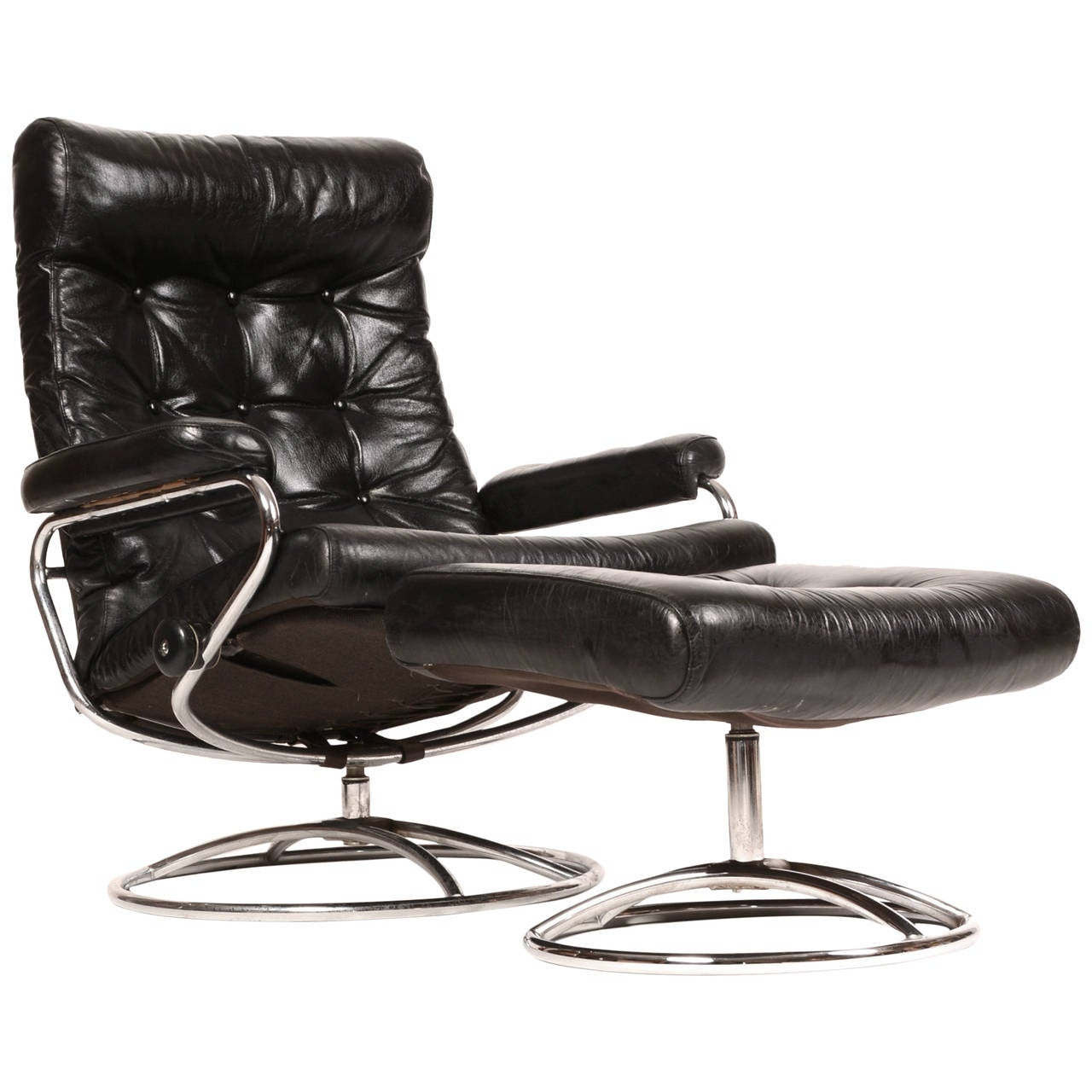 reclining stressless lounge chair and ottoman by ekornes. Black Bedroom Furniture Sets. Home Design Ideas
