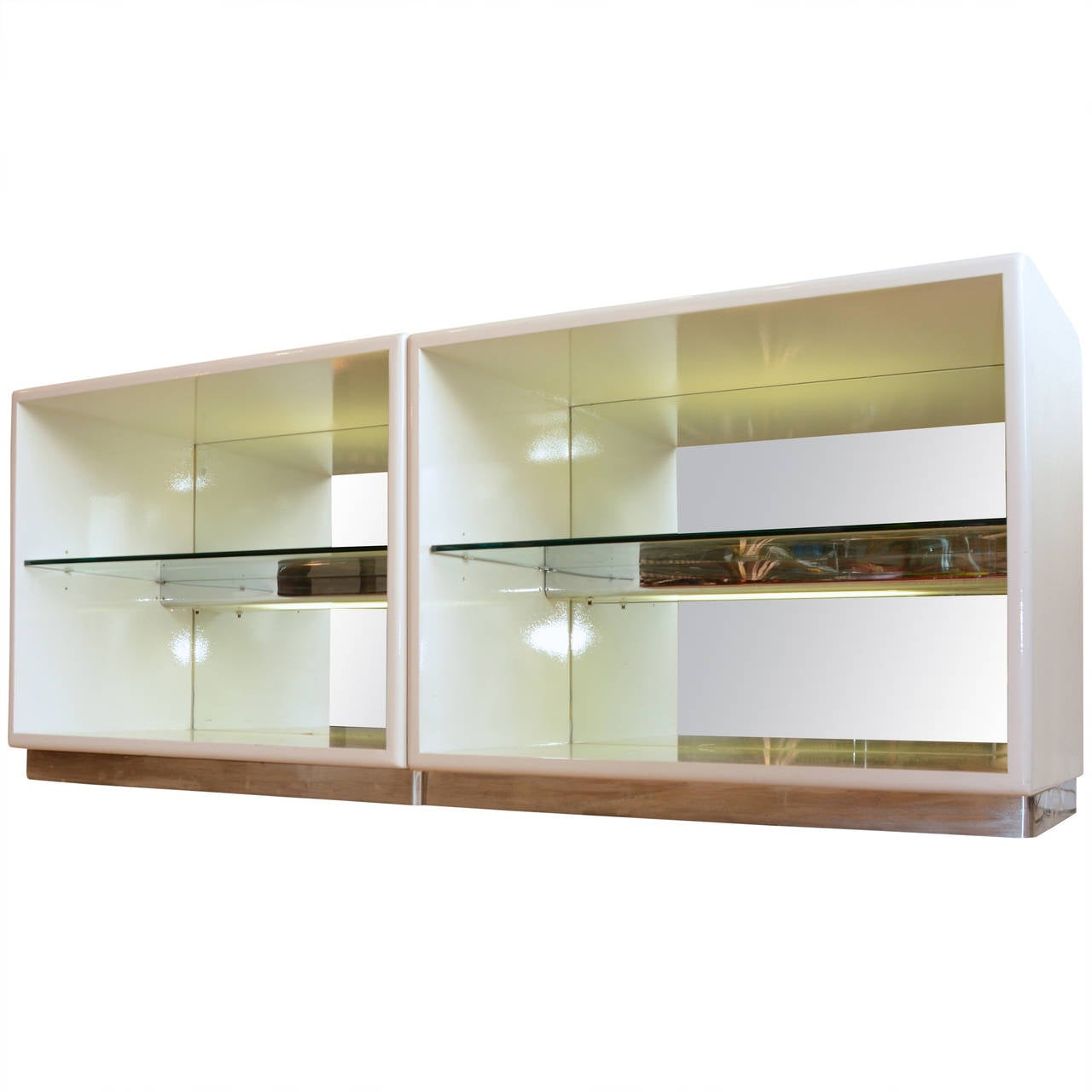 Mirrored Milo Baughman for Thayer Coggin White Lacquer Cabinets 1