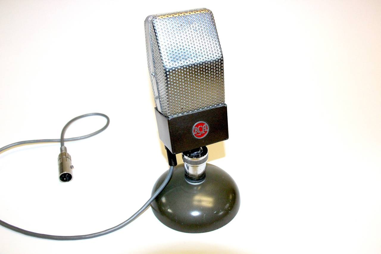 rca vintage studio microphone original iconic circa 1930 display as sculpture for sale at 1stdibs. Black Bedroom Furniture Sets. Home Design Ideas