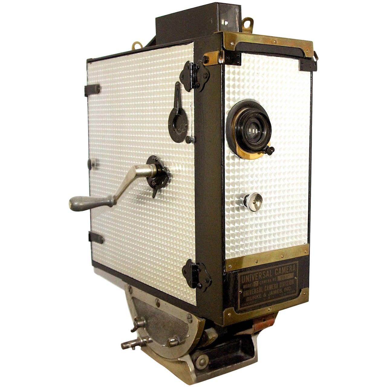 Universal Cinema Camera Built in 1928 Rare Cinema Field Camera. Use As Sculpture