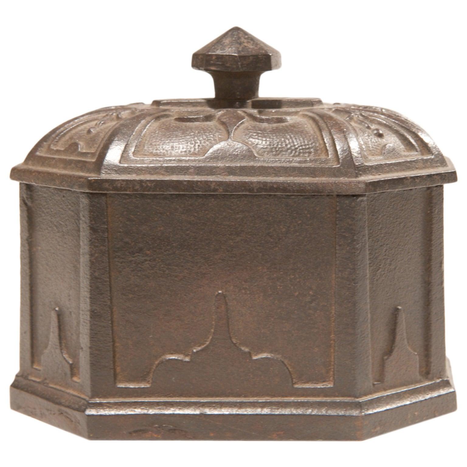 Tobacco Cast Iron English Old Box