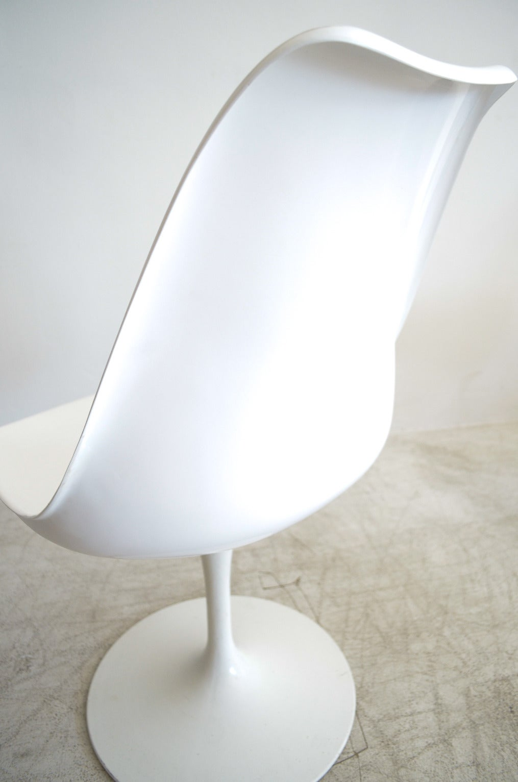 Early Eero Saarinen Tulip Chairs At 1stdibs