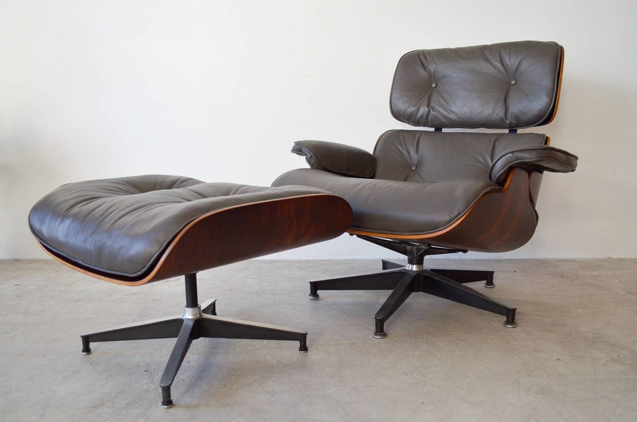 rosewood eames lounge chair with matching ottoman at 1stdibs. Black Bedroom Furniture Sets. Home Design Ideas