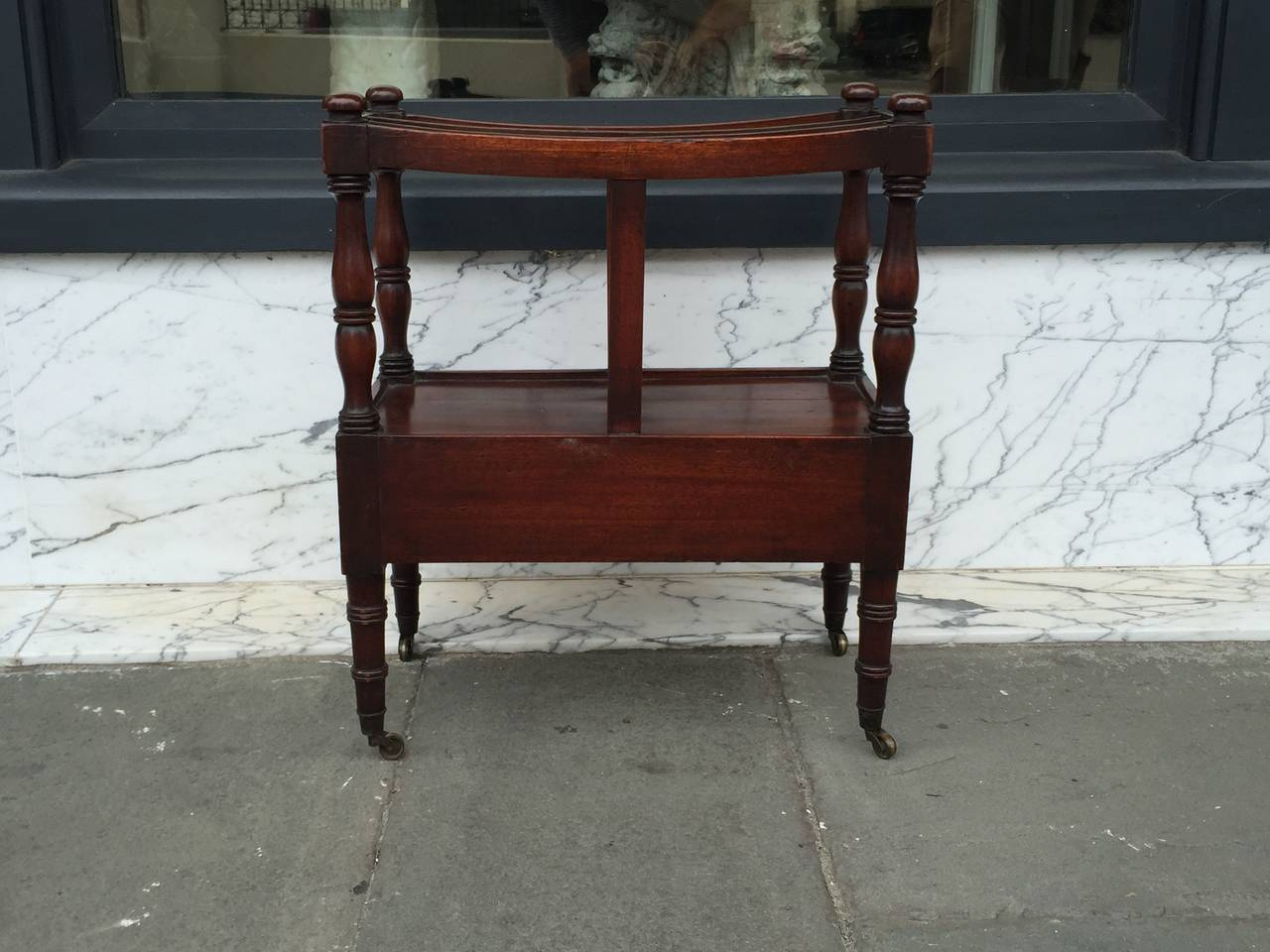 English Mahogany Canterbury with Turned Leg on Blast Caster  In Good Condition For Sale In Charleston, SC