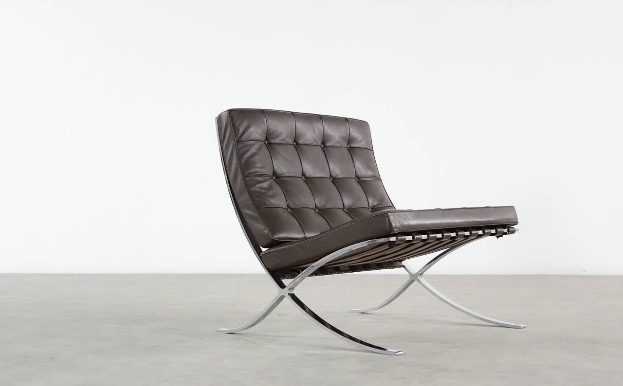 mies van der rohe barcelona chair for knoll international chocolate leather at 1stdibs. Black Bedroom Furniture Sets. Home Design Ideas