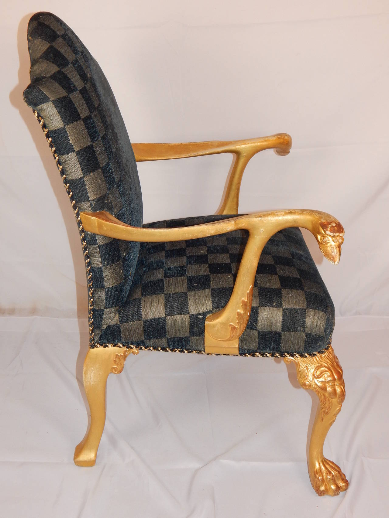 Set of Eight George I Style Giltwood Dining Chairs In Good Condition For Sale In Bridgeport, CT