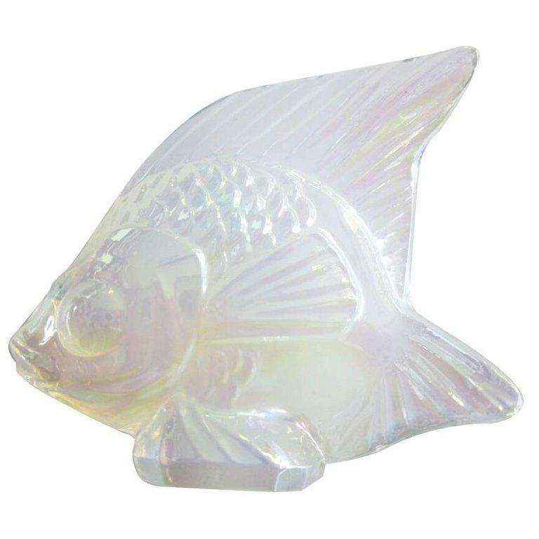 For Sale: White (Opalescent Luster) Fish Sculpture in Crystal Glass by Lalique