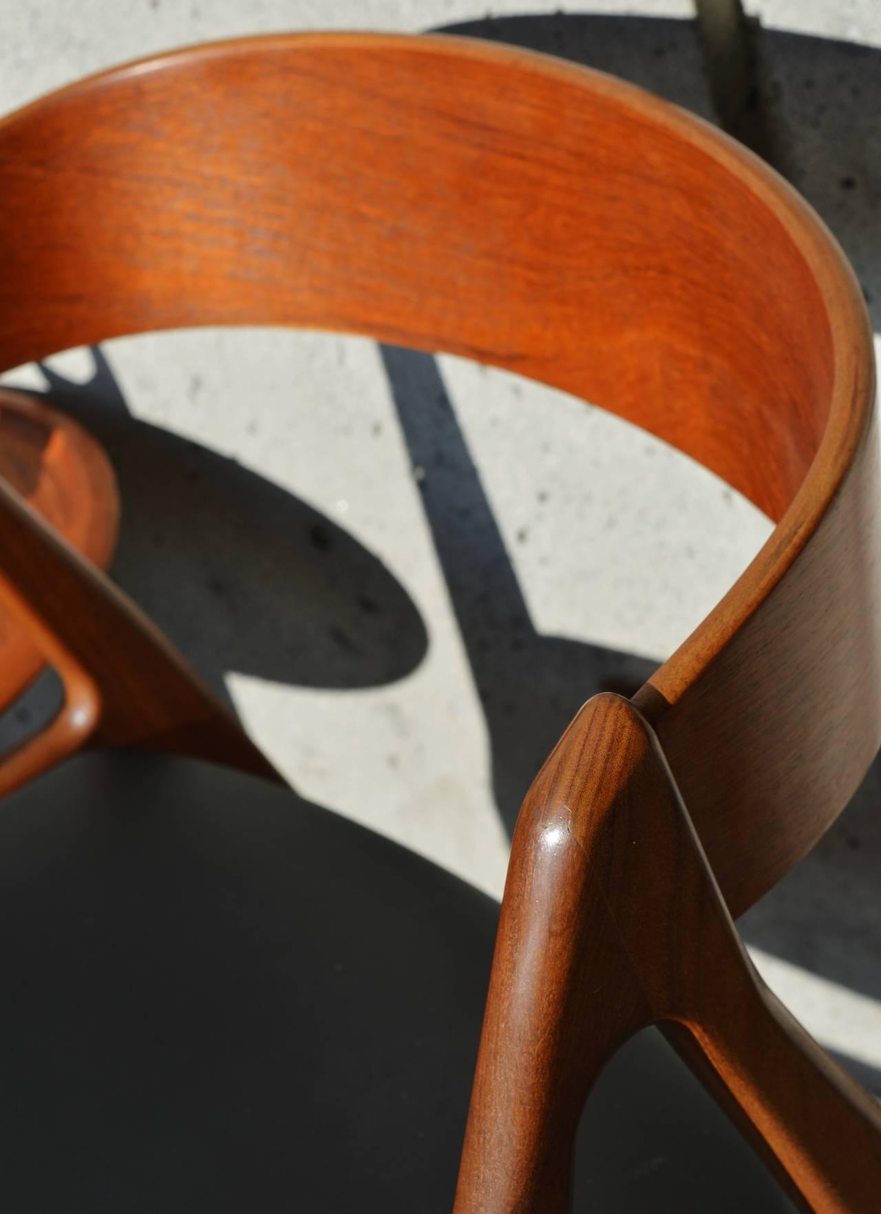 Fine Pair Of Danish Teak Curved Back Chairs At 1Stdibs Machost Co Dining Chair Design Ideas Machostcouk