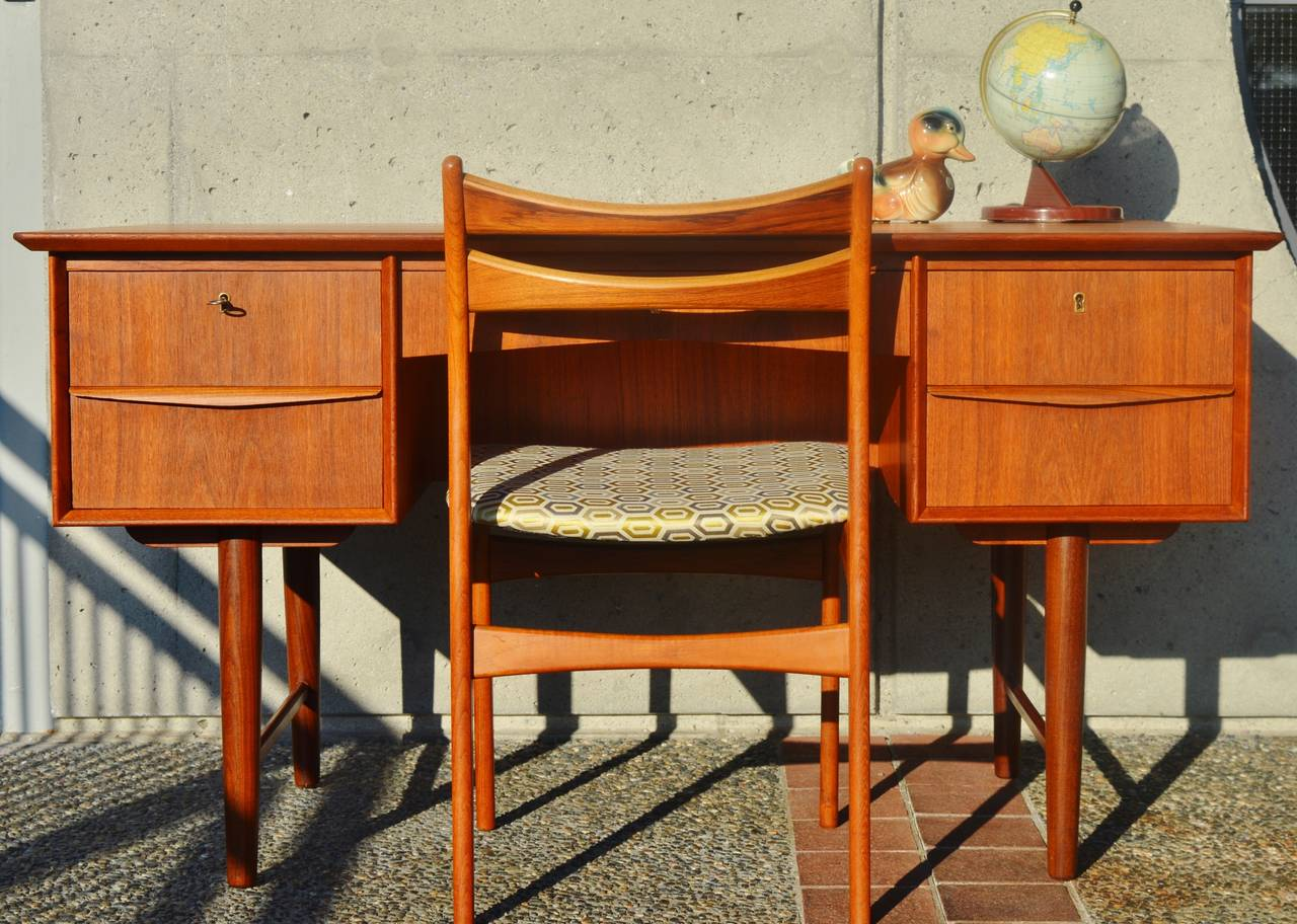 Danish Modern Teak Desk With Display Shelf At 1stdibs