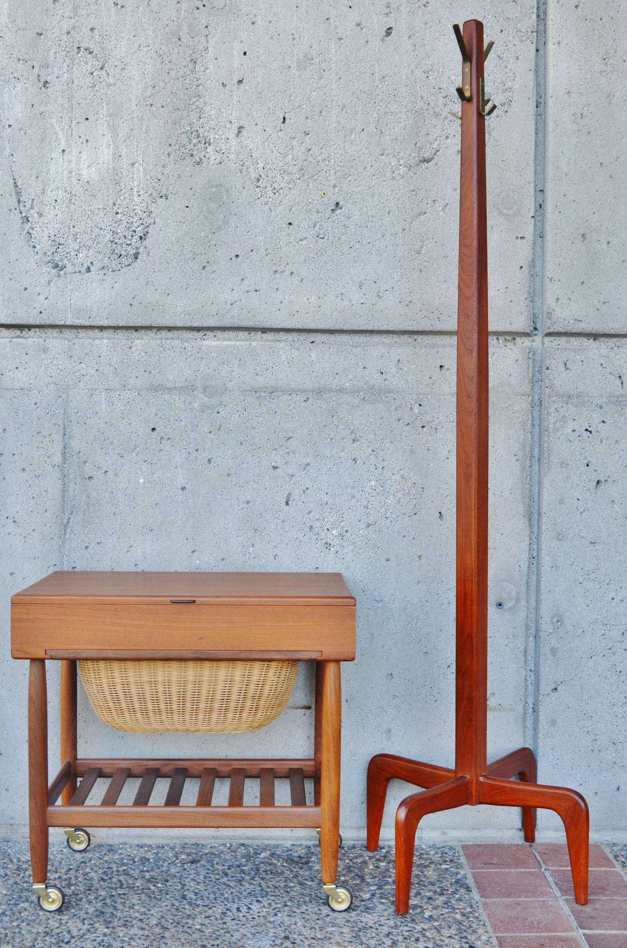 Danish Modern Solid Teak Coat Stand / Hat Tree 7