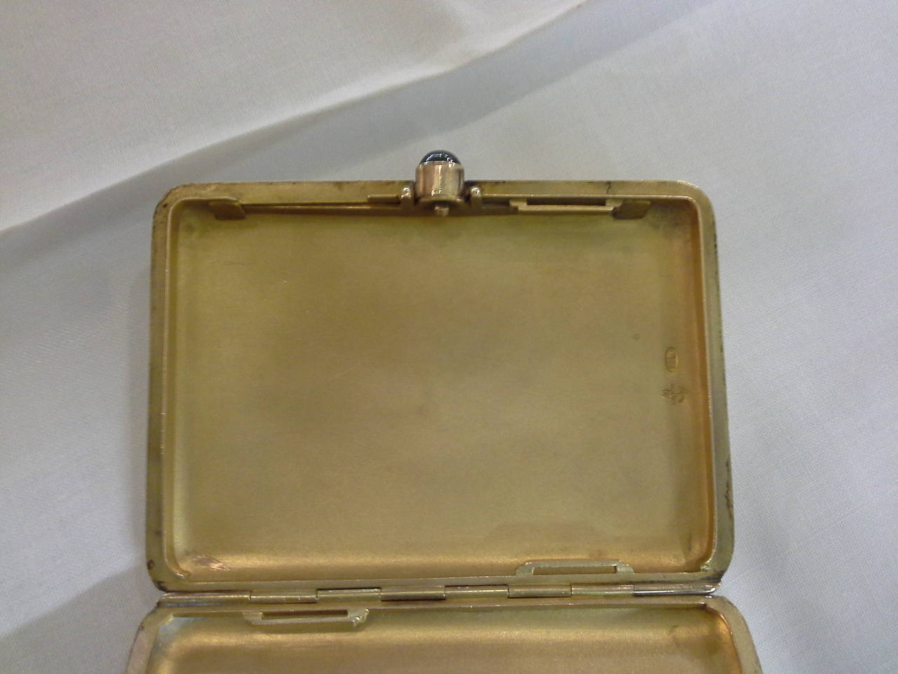 Russian Cigarette Case, .56-Mark, 14k Rose Gold and Sapphire, by Michael Perchin In Good Condition For Sale In Ottawa, Ontario