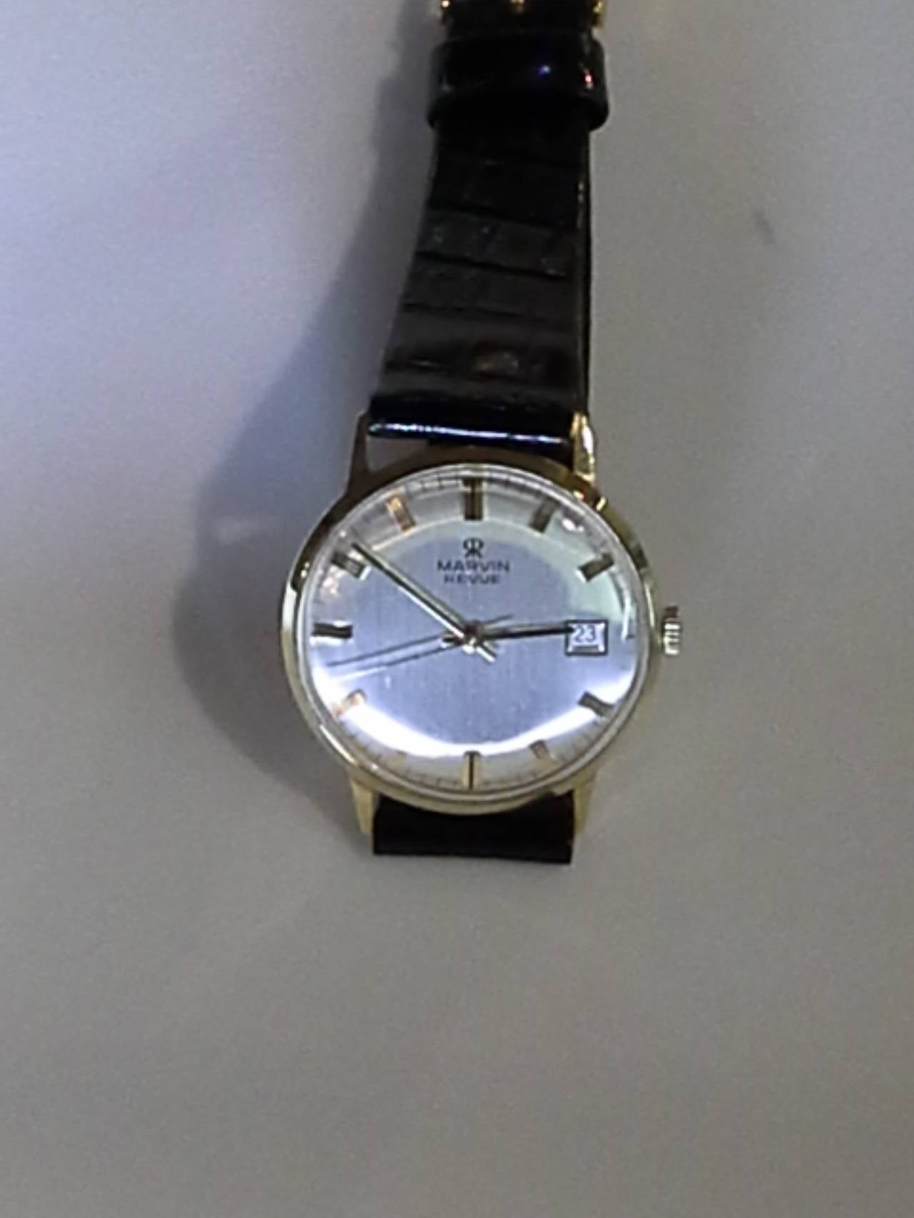Marvin Revue Day or Date Gold Wristwatch with Original Bracelet in Original Box 4
