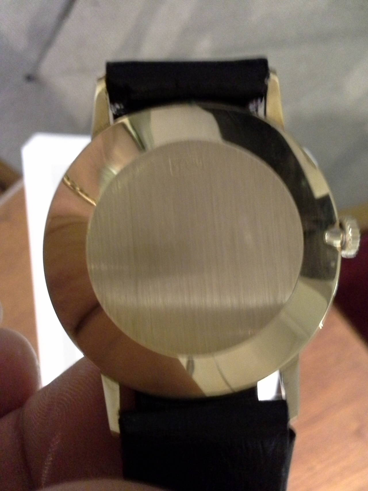 Marvin Revue Day or Date Gold Wristwatch with Original Bracelet in Original Box In Good Condition In Ottawa, Ontario