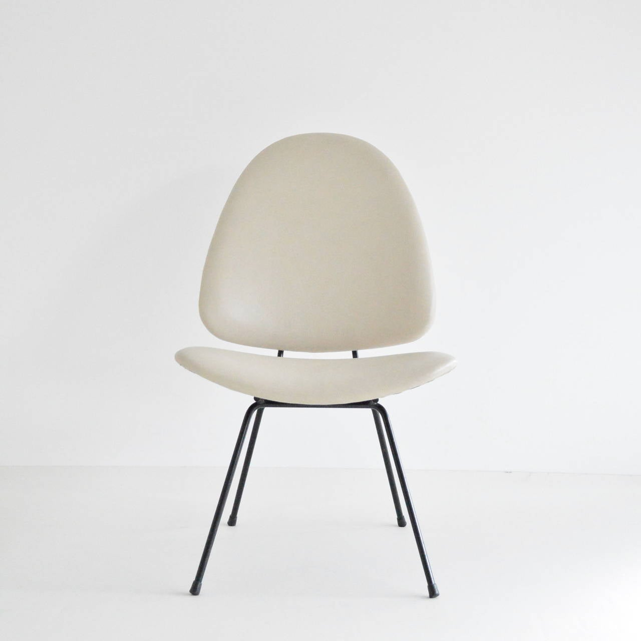 Oval lounge chair - Gispen No 60 Oval Lounge Chair 3