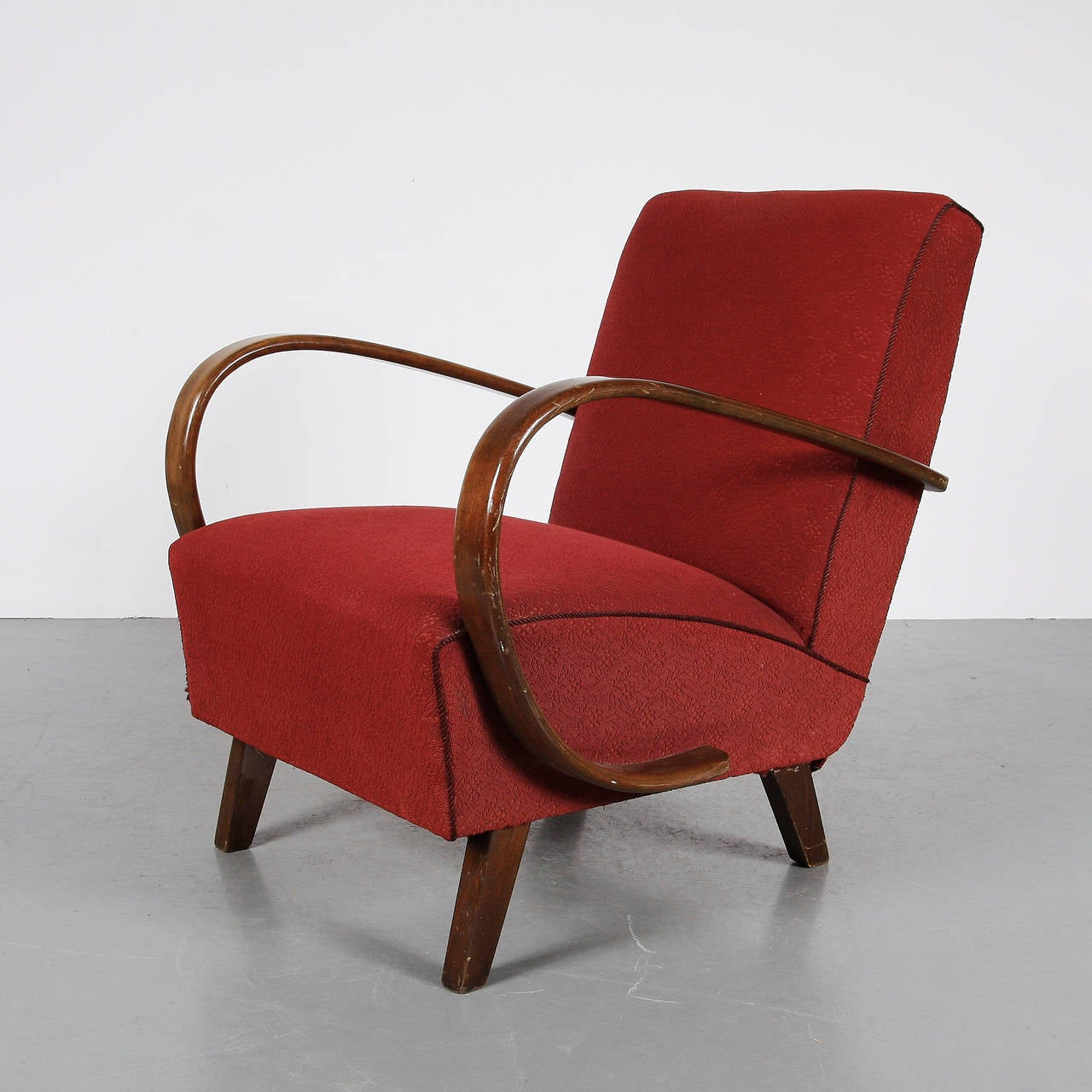 pair of jindrich halabala armchairs circa 1930 for sale at 1stdibs. Black Bedroom Furniture Sets. Home Design Ideas