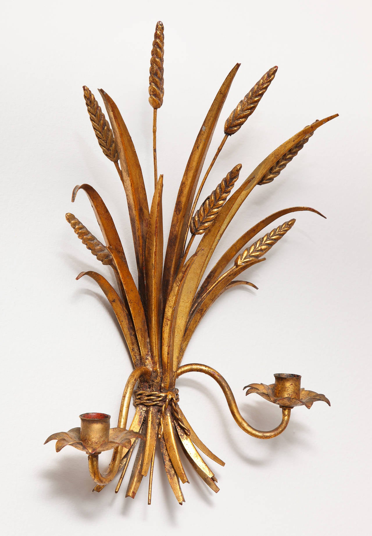 Italian 1960s Hollywood Regency Gilt Metal Sheaf of Wheat Wall Sconce For Sale 1