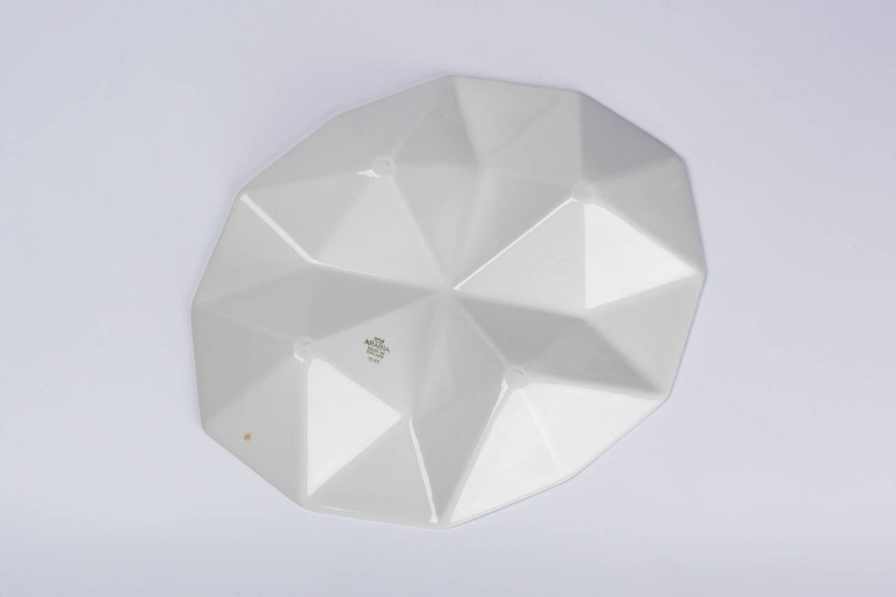Finnish Dish Origami by Kaj Franck for Arabia of Finland, White Ceramic, 1960s In Excellent Condition For Sale In Chicago, IL