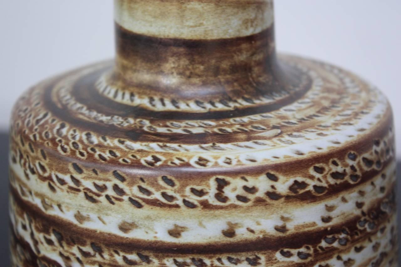 petite martz speckled ceramic table lamp at 1stdibs. Black Bedroom Furniture Sets. Home Design Ideas
