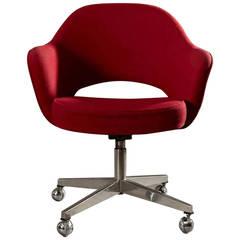 Eero Saarinen Swivel Executive Armchair for Knoll in Red