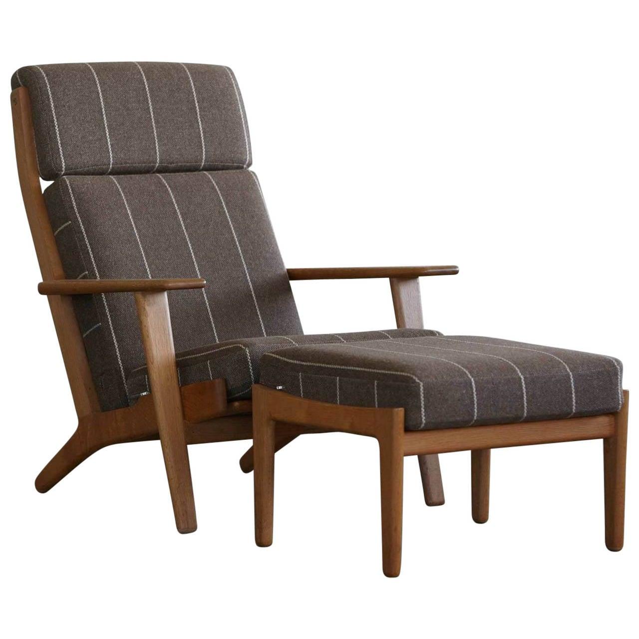 Hans j wegner high back chair and ottoman model ge290 at for Hans wegner queen chair