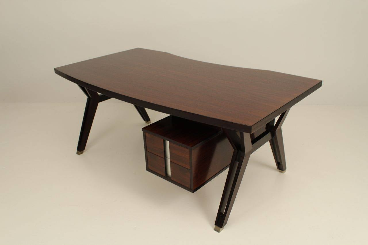 Ico Paris mid century rosewood executive desk In Good Condition For Sale In Weesp, NL