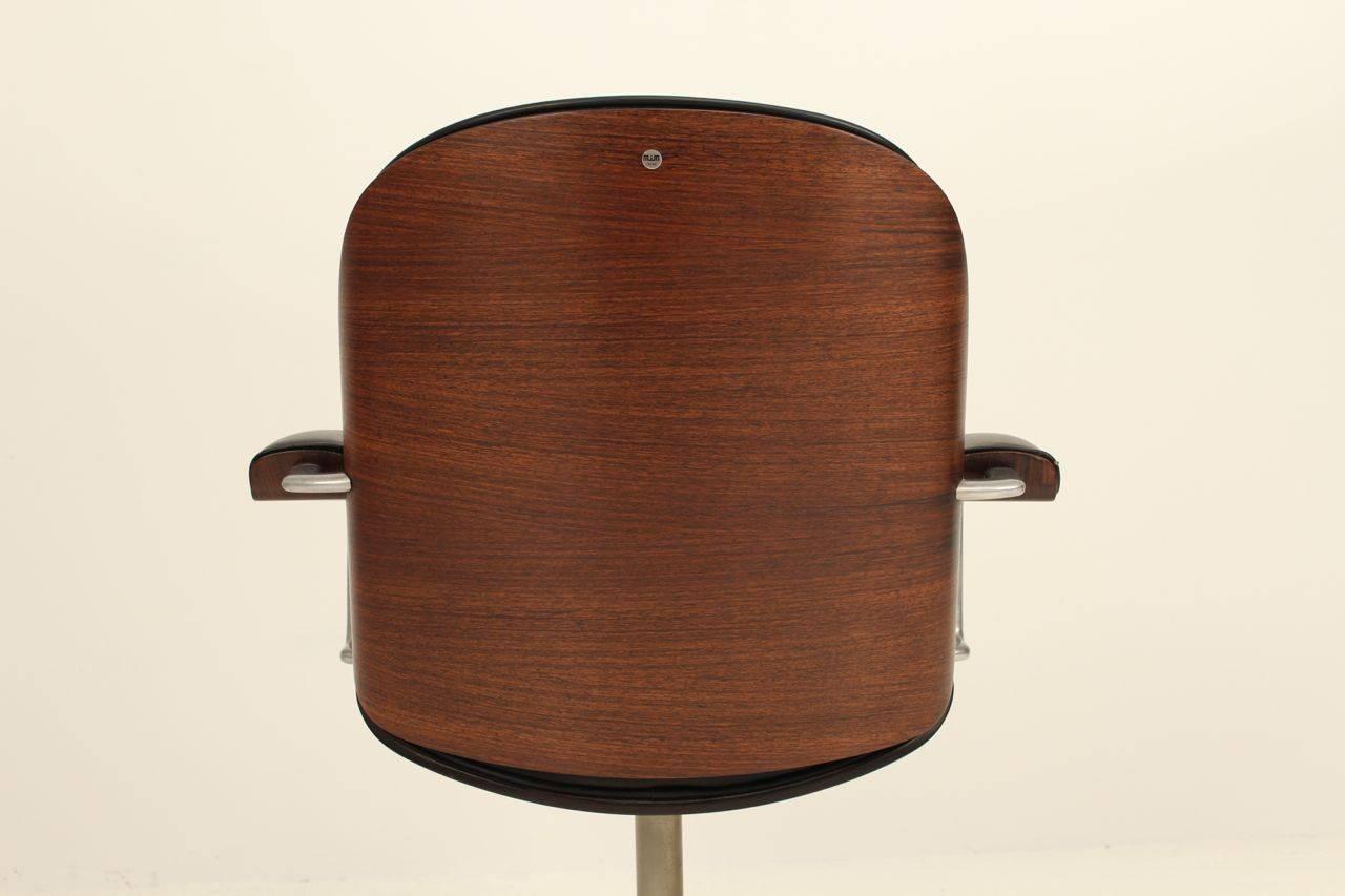 Ico Paris mid century rosewood executive desk For Sale 1