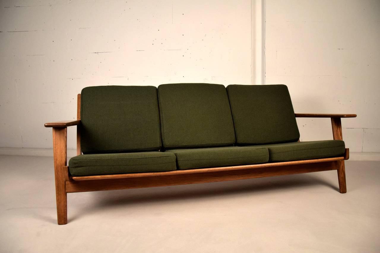 hans wegner ge 290 sofa for getama denmark for sale at 1stdibs. Black Bedroom Furniture Sets. Home Design Ideas