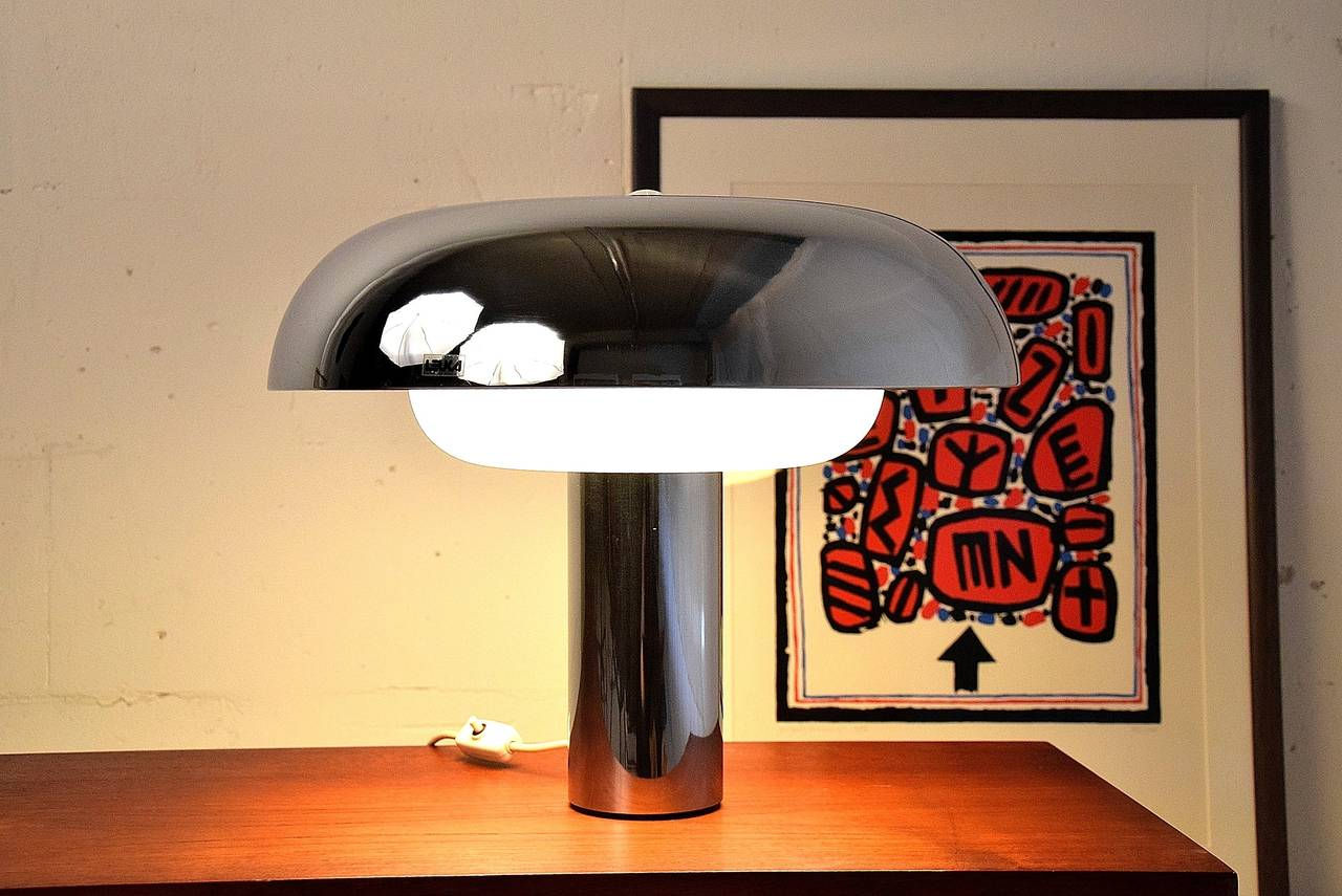 Italian 1970's Pampero table Lamp By Leuka For Sale