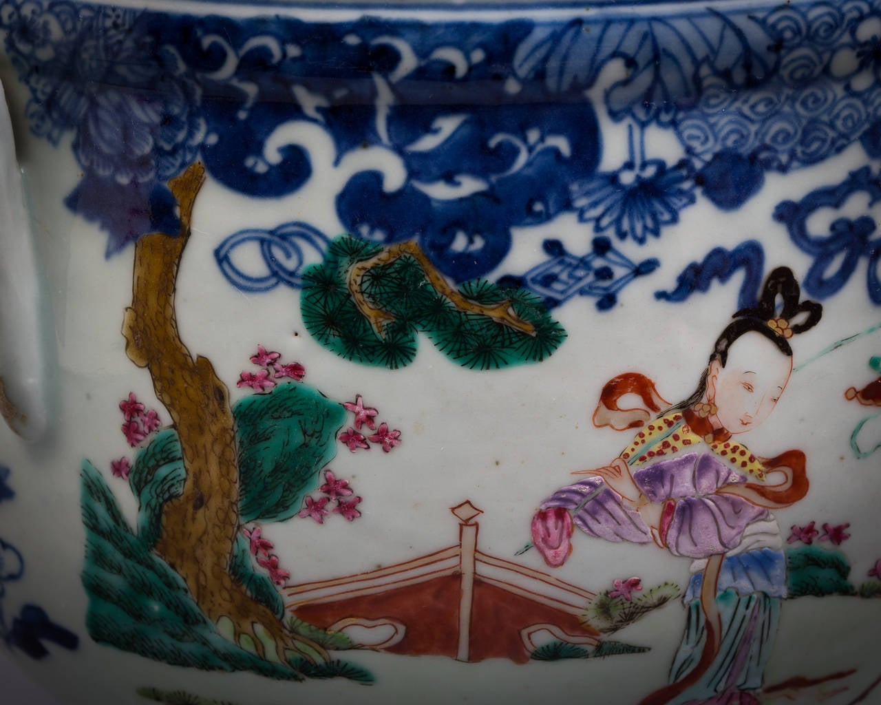 Chinese Export Cachepot, circa 1775 In Good Condition For Sale In New York, NY