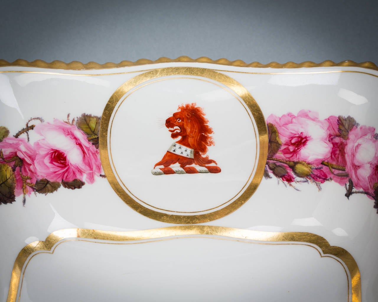 English Porcelain Bowl, Flight Barr and Barr, circa 1820 In Good Condition For Sale In New York, NY