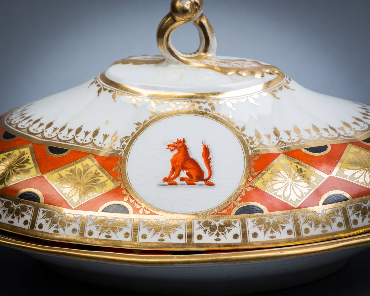 Pair of Chamberlain Worcester Covered Entree Dishes, circa 1820 2