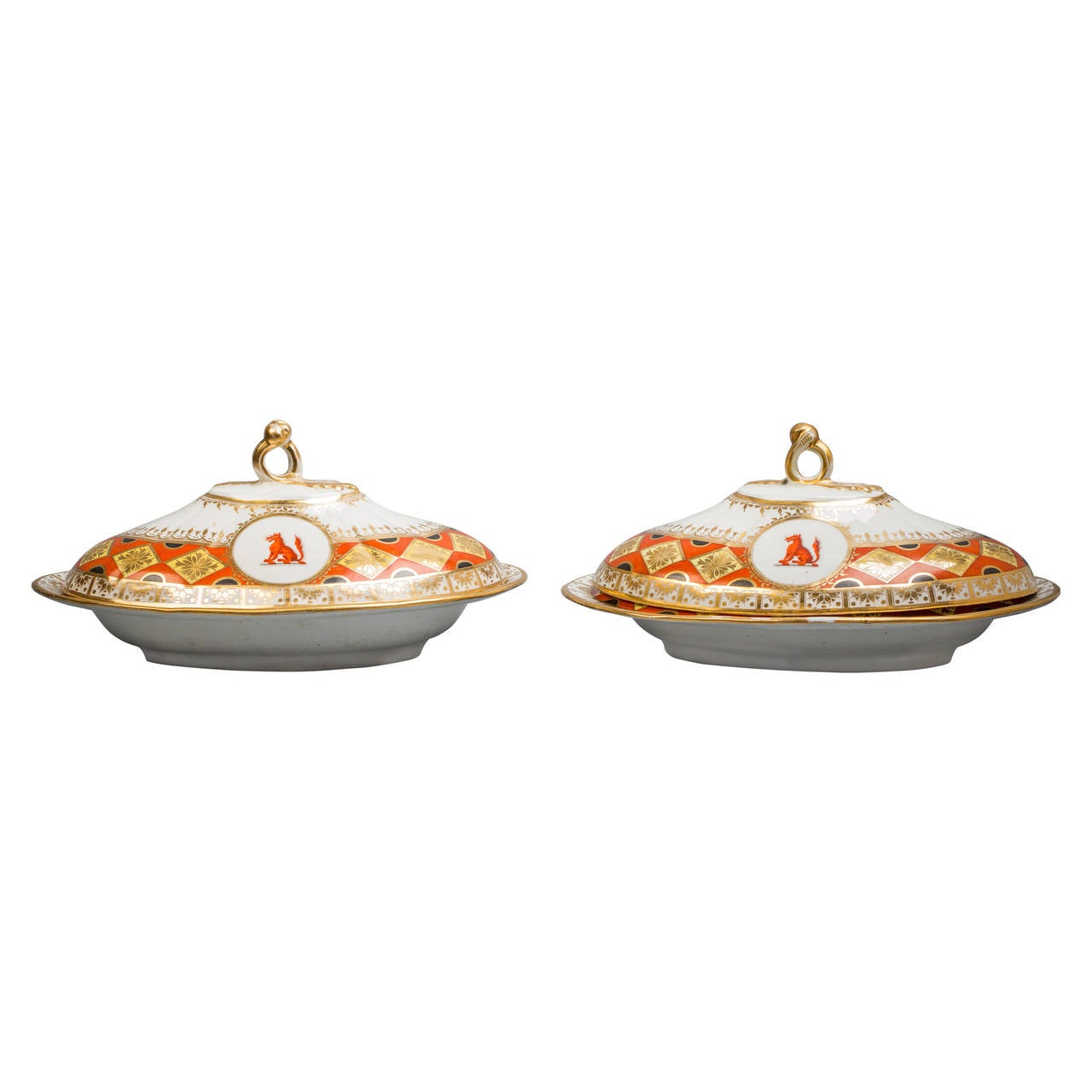 Pair of Chamberlain Worcester Covered Entree Dishes, circa 1820 For Sale