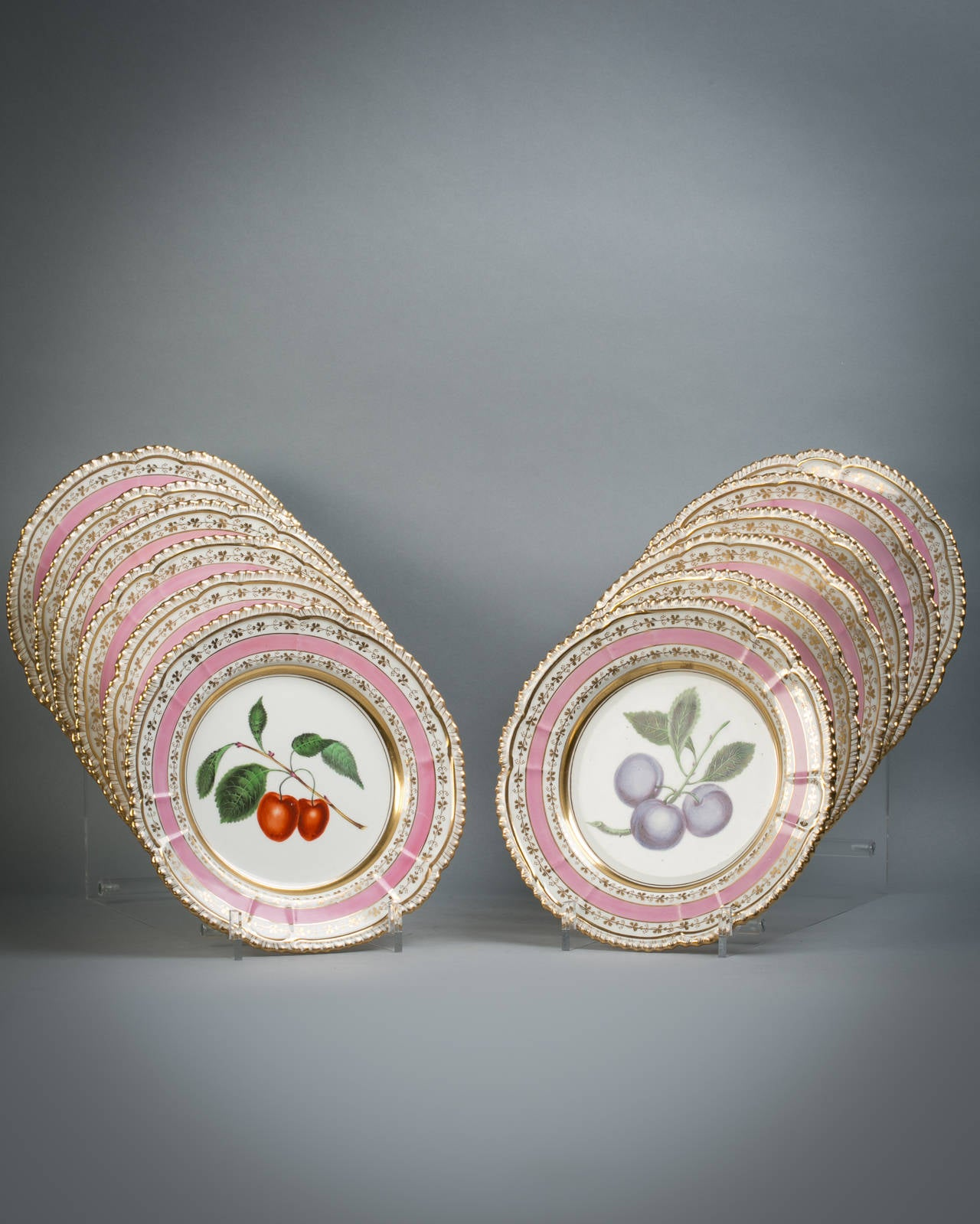 English Porcelain Fruit Service, Chamberlain Worcester, circa 1820 In Good Condition For Sale In New York, NY