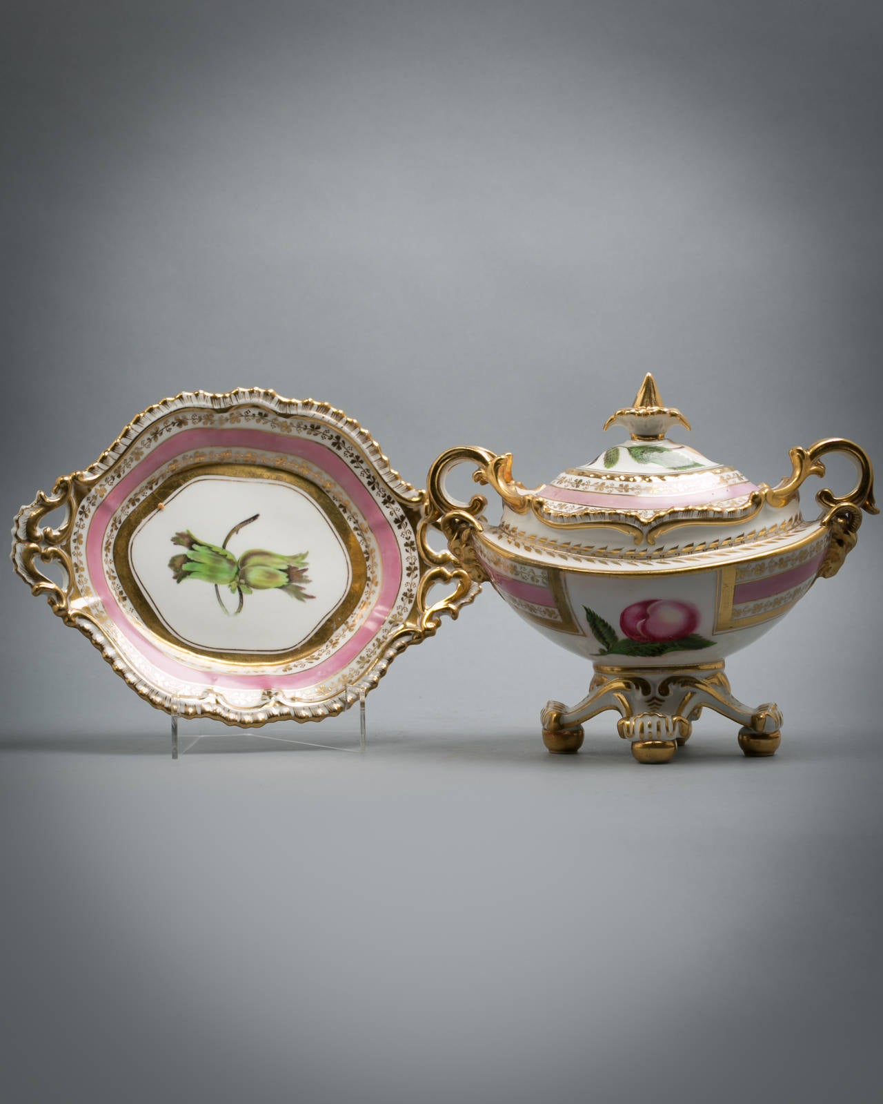 English Porcelain Fruit Service, Chamberlain Worcester, circa 1820 For Sale 6