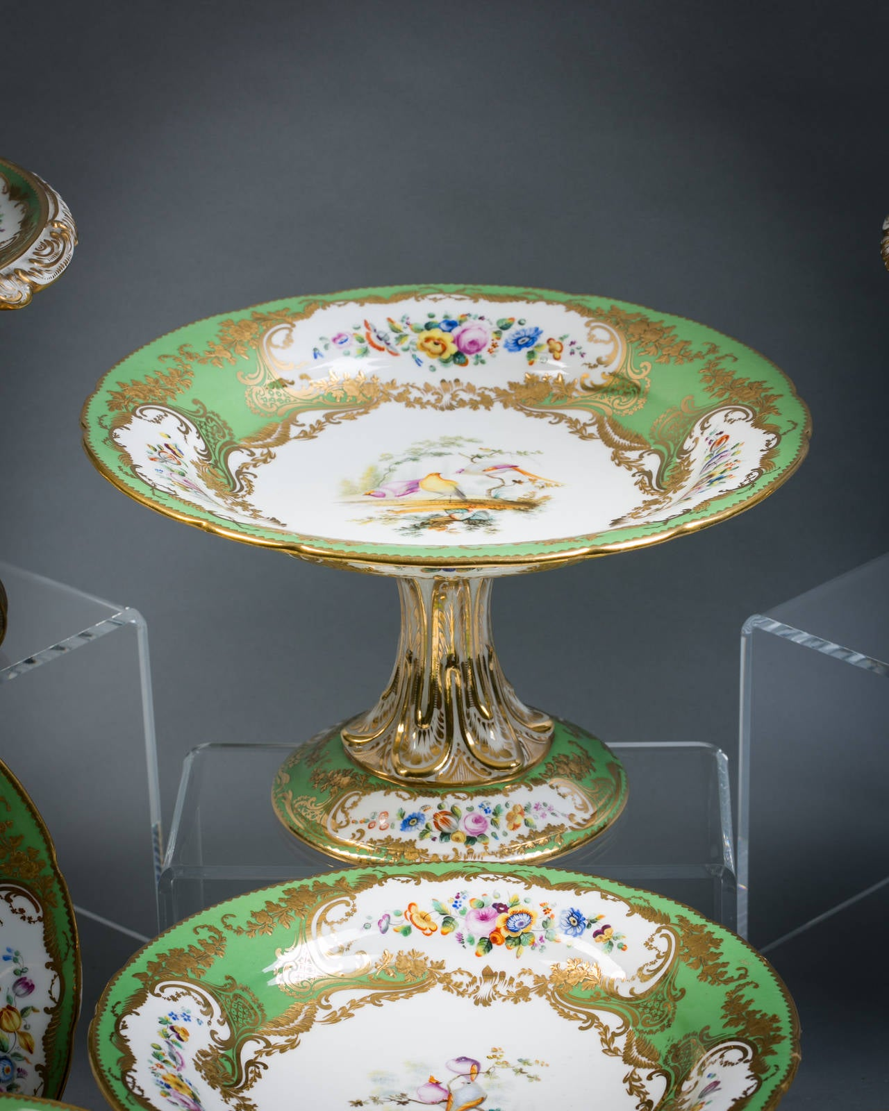 English Coalport Porcelain Dessert Service, circa 1850 In Good Condition For Sale In New York, NY