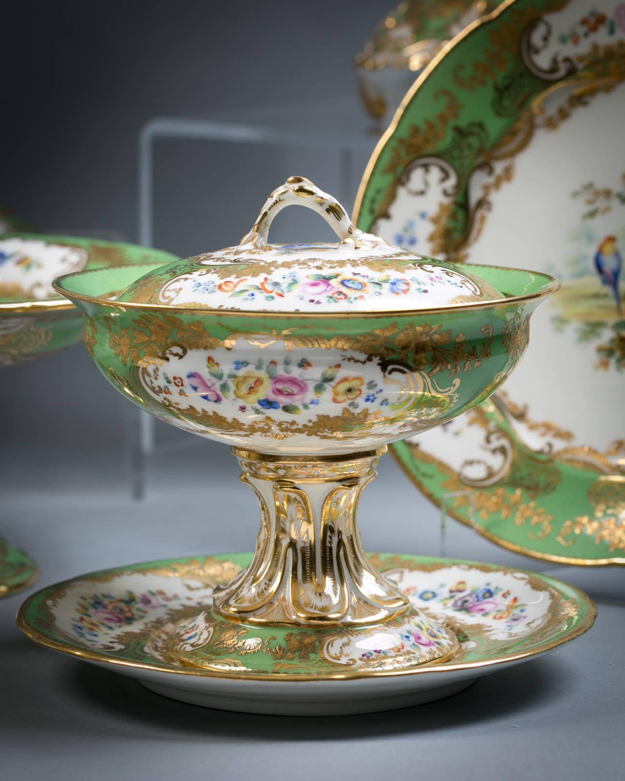 Mid-19th Century English Coalport Porcelain Dessert Service, circa 1850 For Sale