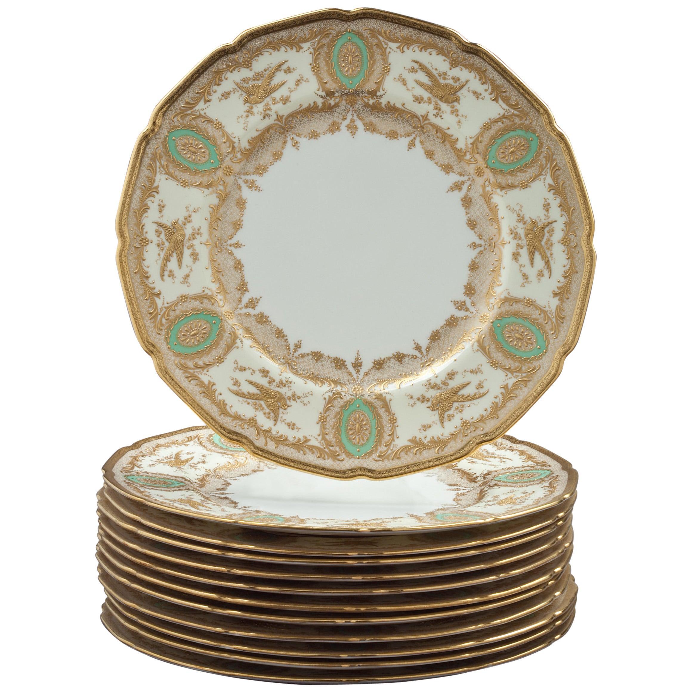 Set of 12 English Porcelain Dinner Plates, Royal Doulton, circa 1900