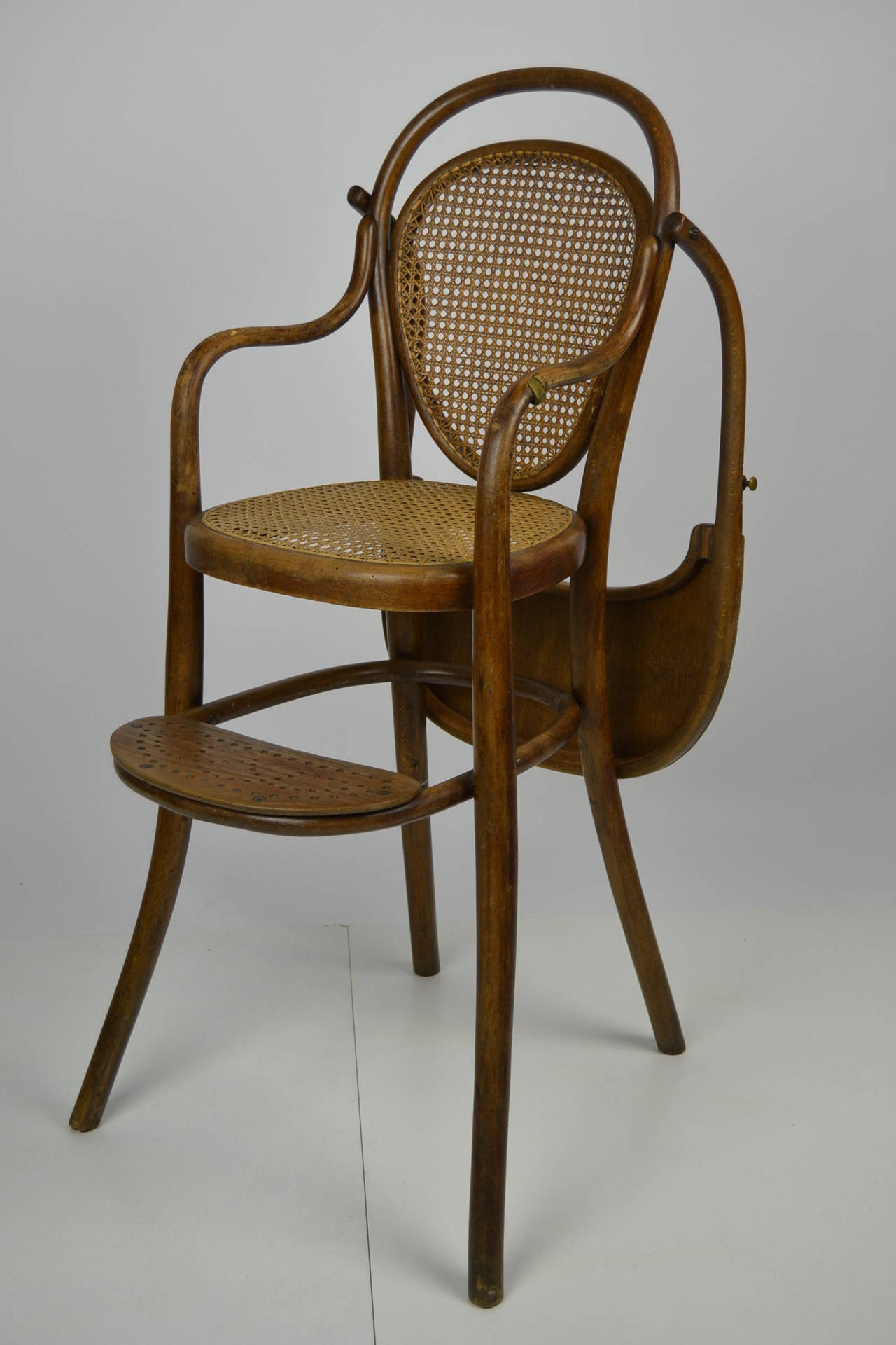antique thonet children 39 s chair at 1stdibs. Black Bedroom Furniture Sets. Home Design Ideas