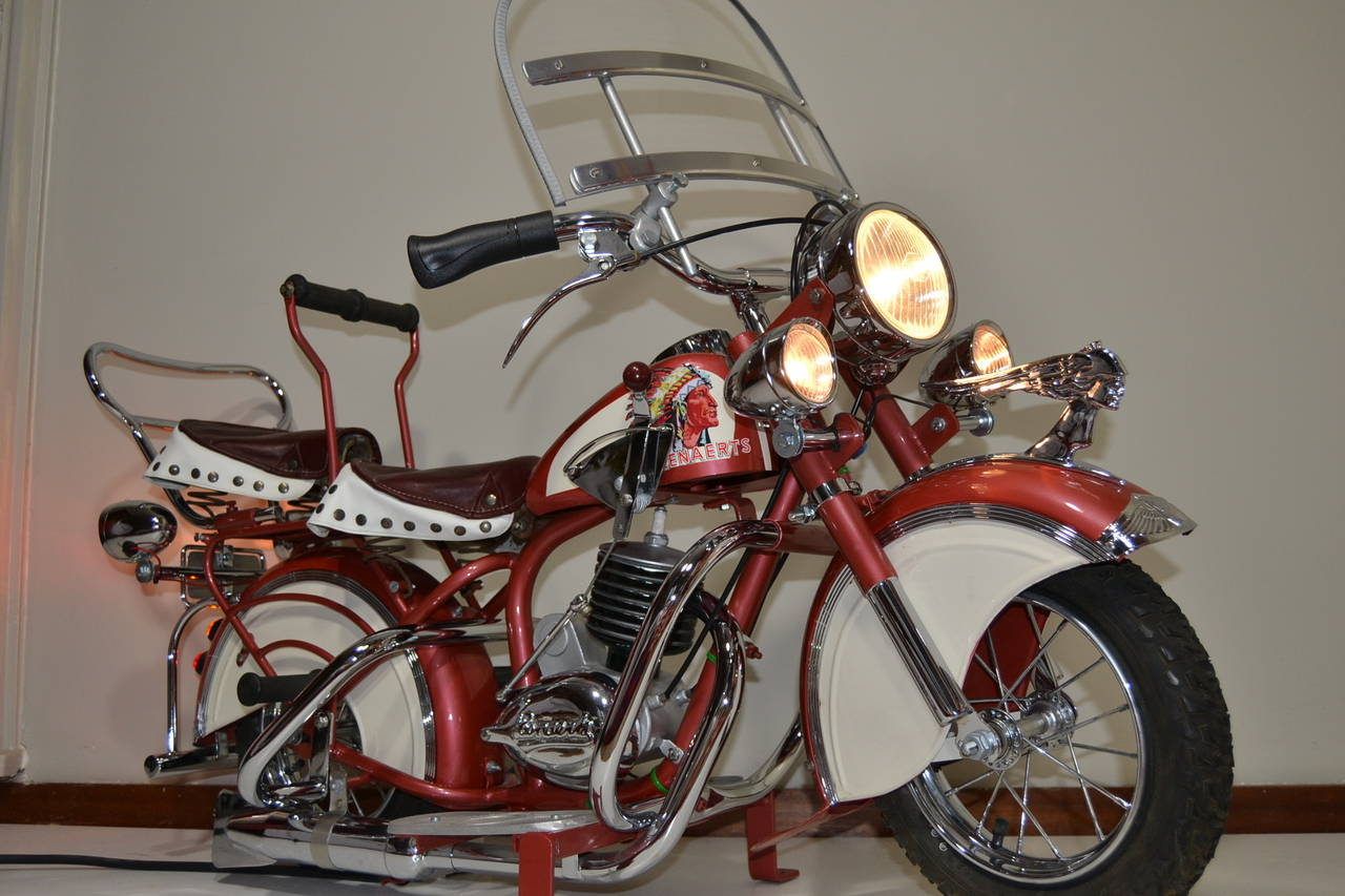 1950s Carousel Indian Motorbike by Lenaerts, Belgium  In Good Condition For Sale In Antwerp, BE