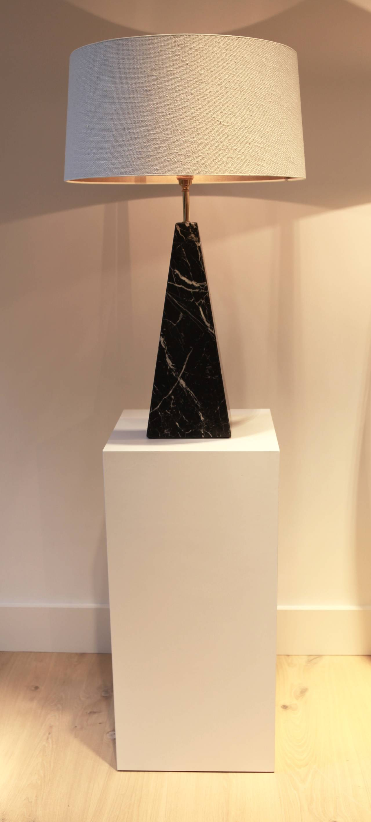 Black Obelisk Table Lamps, Italy, 1970s In Excellent Condition For Sale In Hamburg, Hamburg