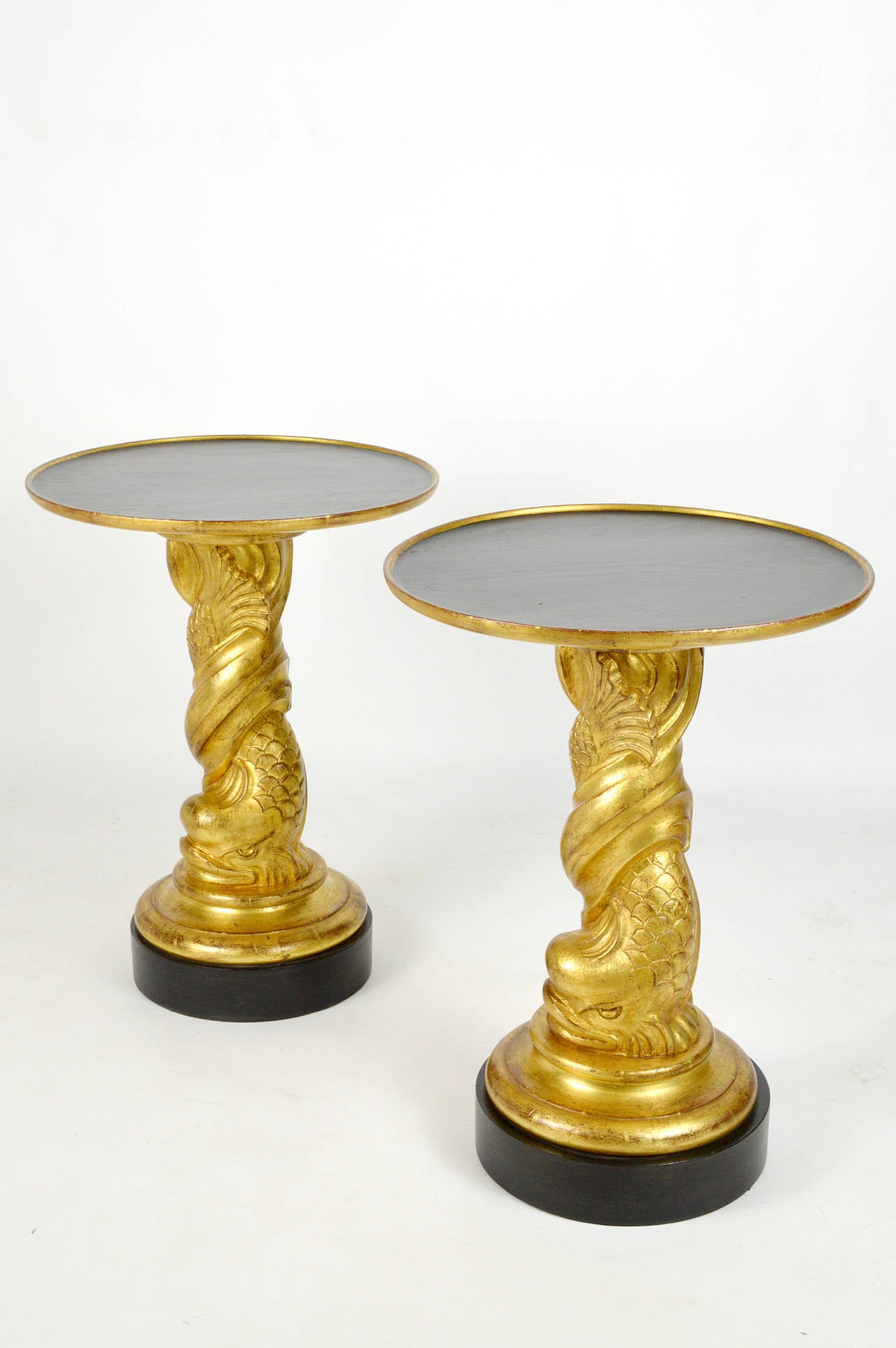 Hollywood Regency Style Pair of Carved Giltwood Side Tables In Good Condition For Sale In Atlanta, GA