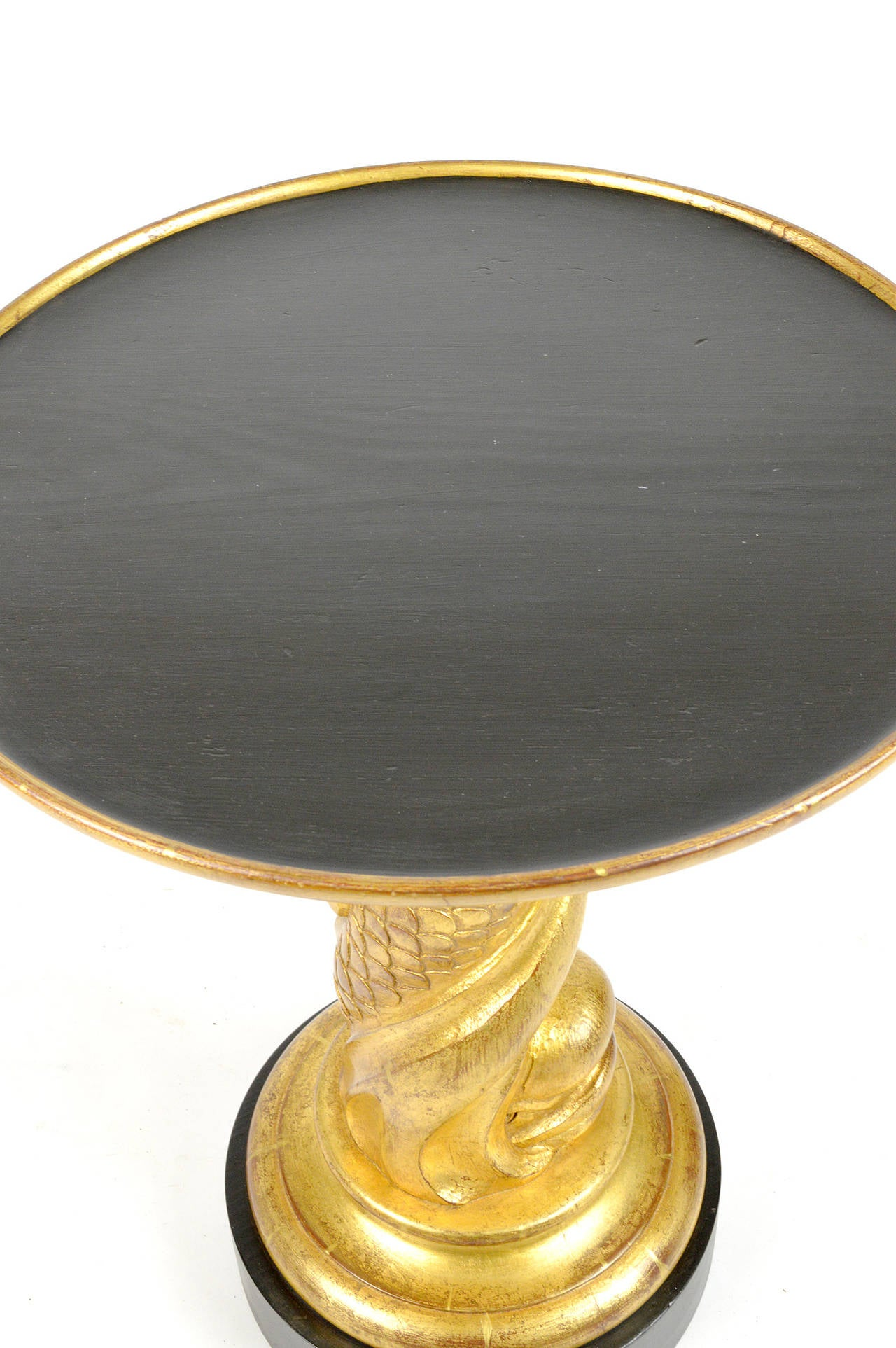 North American Hollywood Regency Style Pair of Carved Giltwood Side Tables For Sale