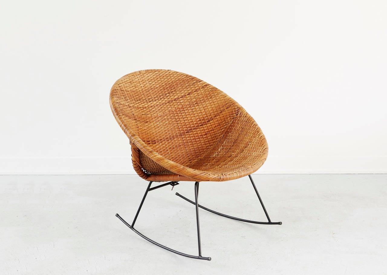 calif asia rattan rocker for sale at 1stdibs. Black Bedroom Furniture Sets. Home Design Ideas