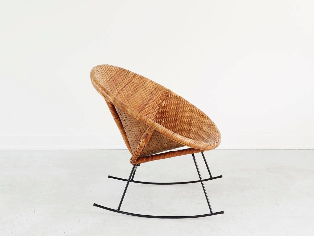 calif asia rattan rocker at 1stdibs. Black Bedroom Furniture Sets. Home Design Ideas