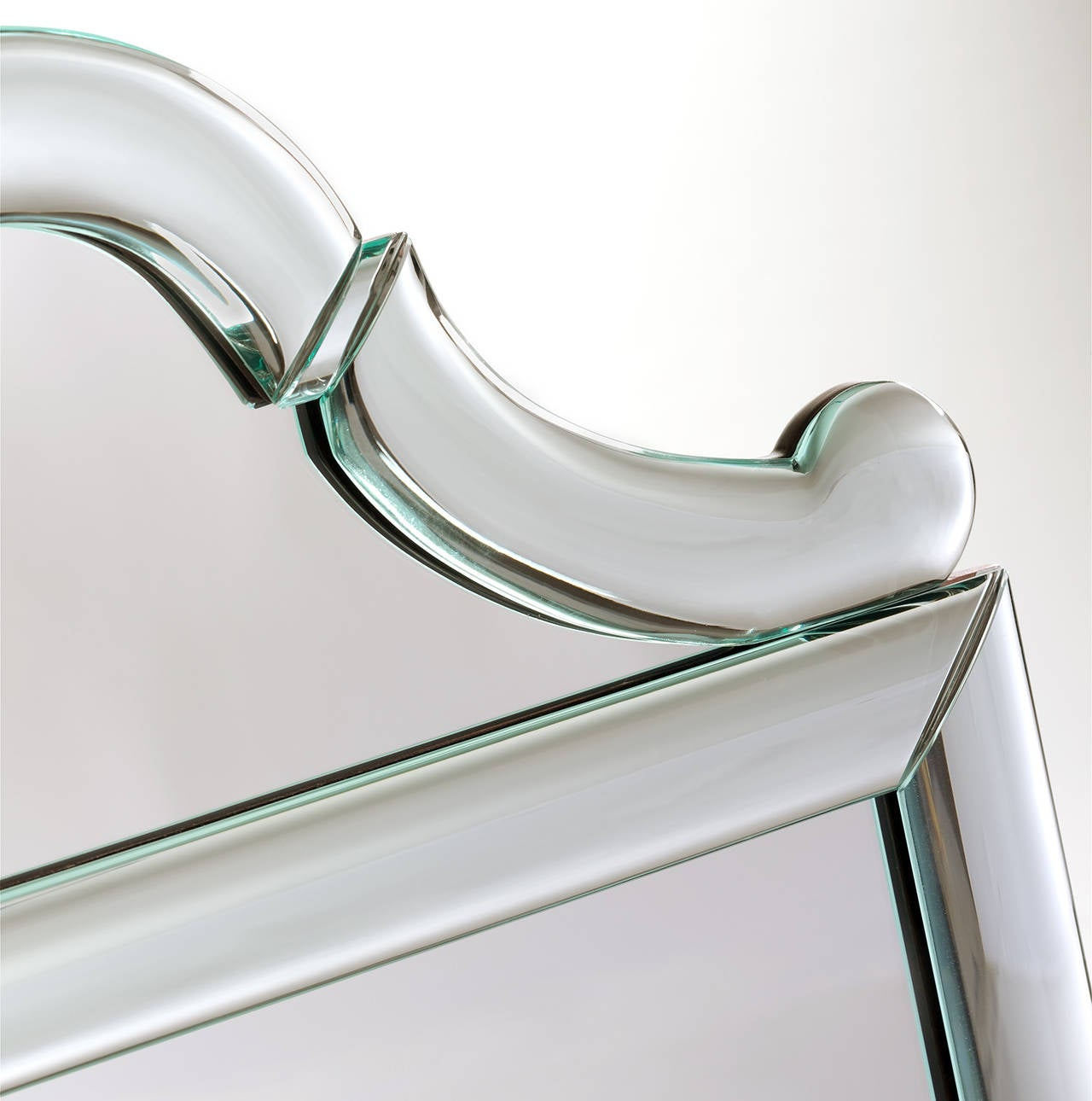 Queen Anne-Shaped-Top Bullnose Mirror 3