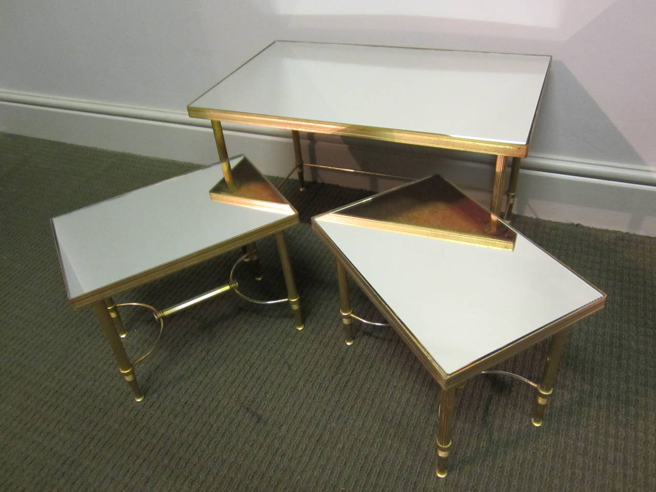 Small french nest of tables at 1stdibs for Small nest of tables