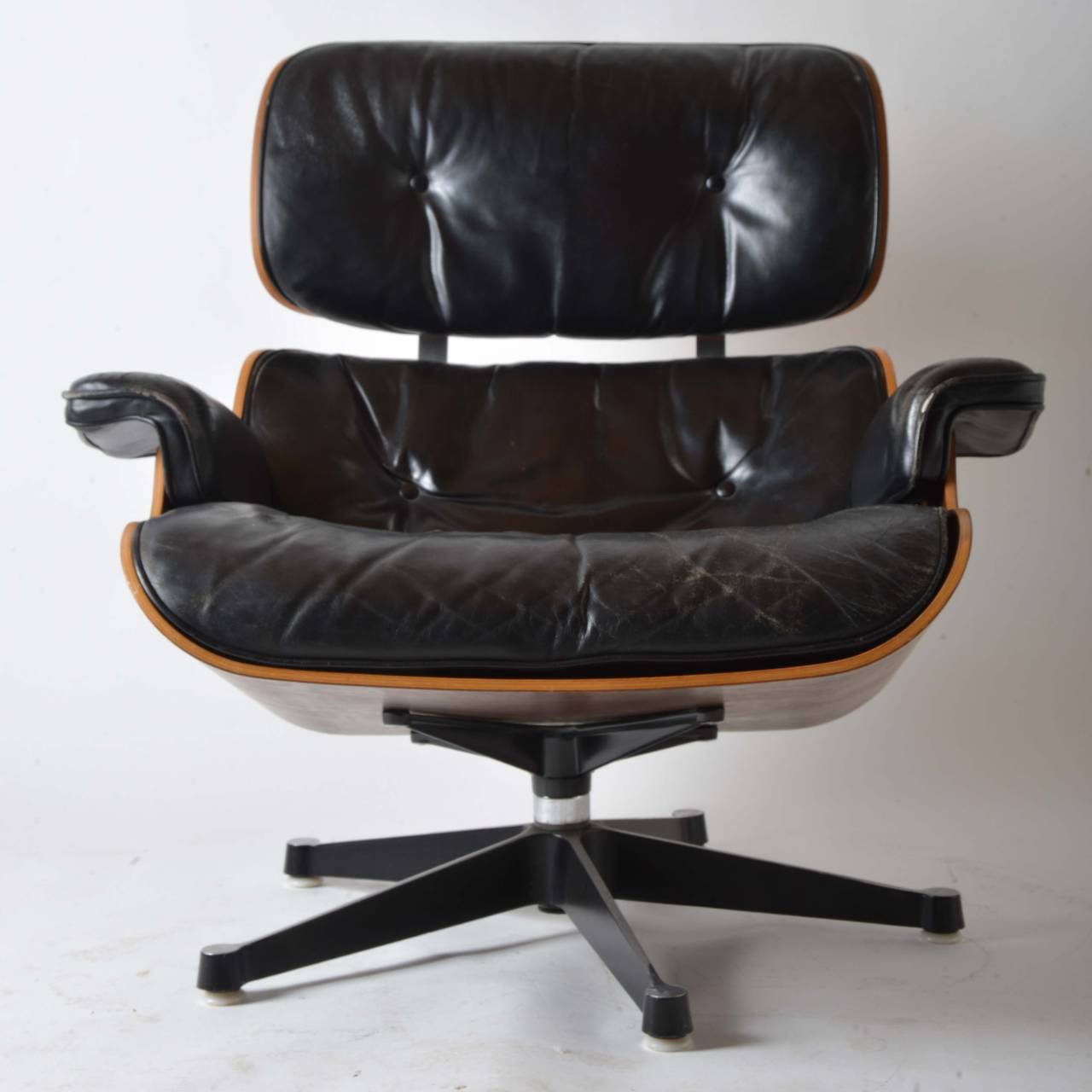 Iconic eames lounge chair for herman miller for sale at Iconic eames chair