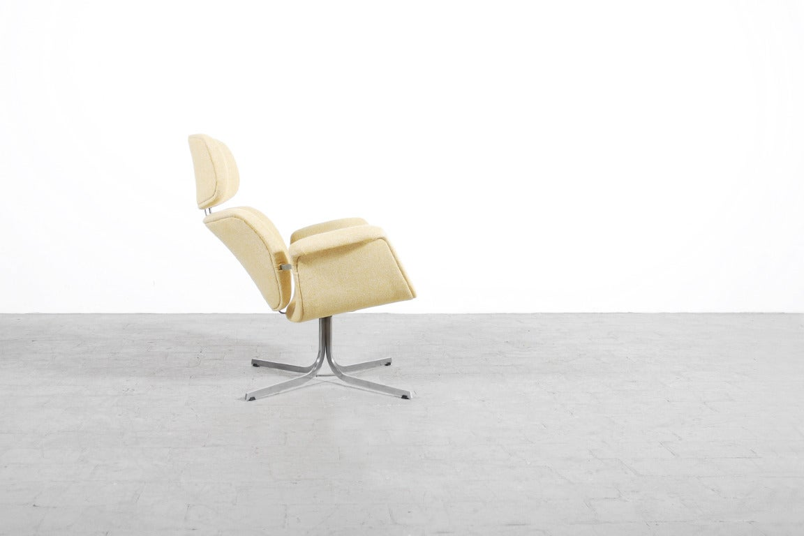 "Very comfortable F545 lounge chair commonly known as ""The Big Tulip"" was designed by the French Designer Pierre Paulin for Artifort in 1959.